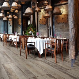 Polyflor Expona Commercial Wood Natural Barn Wood